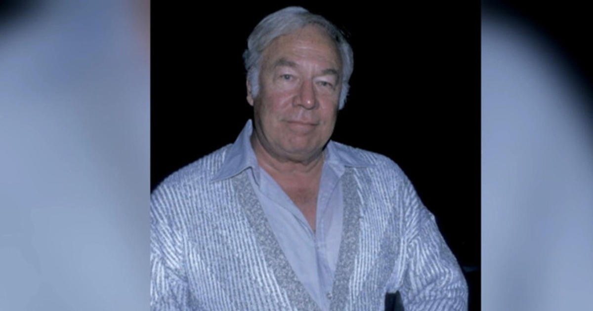 Remembering actor George Kennedy - Videos - CBS News