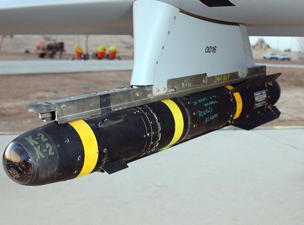 AGM-114hellfirehungonapredatordrone.jpg