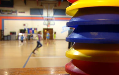 Schools shortchange kids on phys ed
