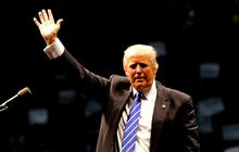 Donald Trump steps up attacks on RNC