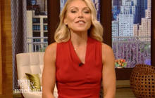 """Kelly Ripa returns to """"Live"""" after shake-up"""