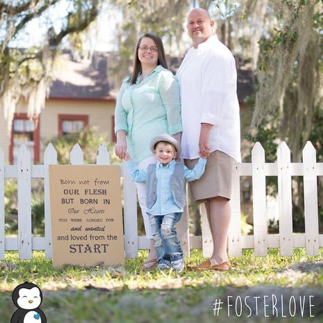 29 heartwarming photos of foster kids getting adopted