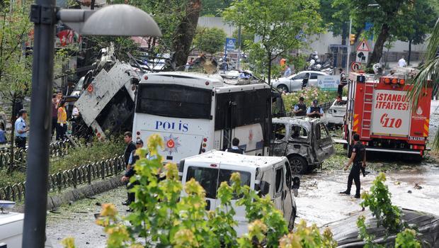 C A Turkey Istanbul Turkey car bomb hits b...