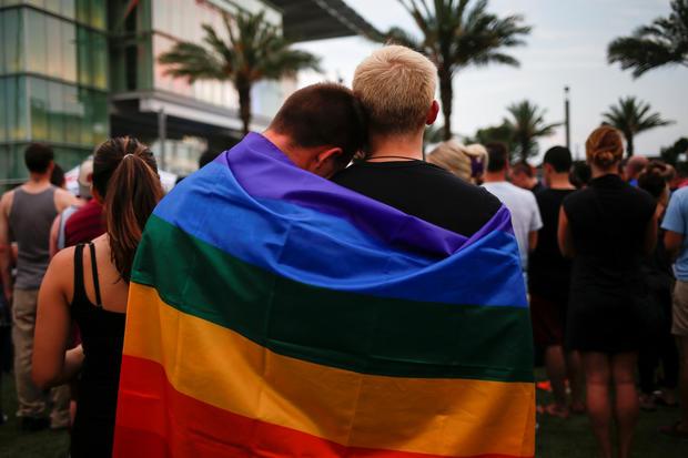 World mourns Orlando shooting victims