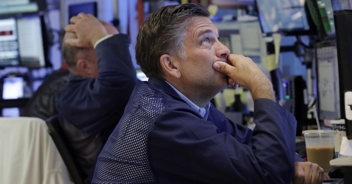 U.S. stocks notch modest gains just below records - CBS News
