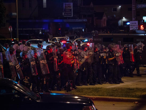 Violence in Milwaukee over police shooting