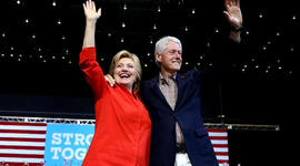 FBI uncovers 14,900 Clinton emails