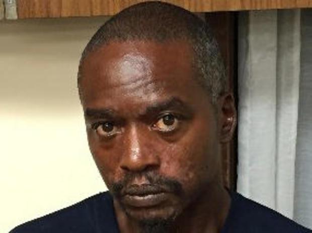 密西西比州Kosciusko的Rodney Earl Sanders在密西西比州公共安全部发布的未注明日期的照片中看到。