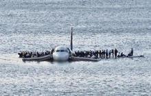 Look back: Plane down in Hudson