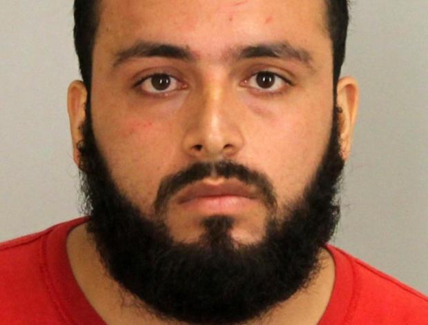 28岁的Ahmad Khan Rahimi于2016年9月19日在新泽西州的Union县看到检察官办公室照片。