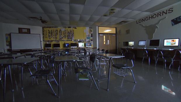 bojorquez-ok-schools-1102en.jpg