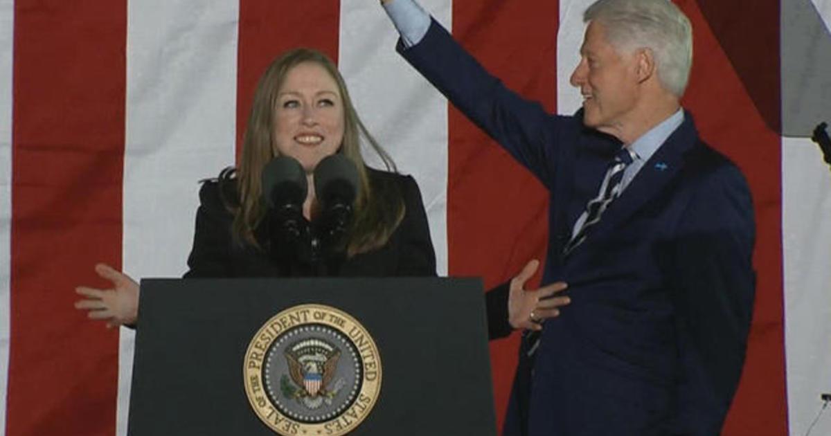 Bill And Chelsea Clinton Join Hillary At Pennsylvania