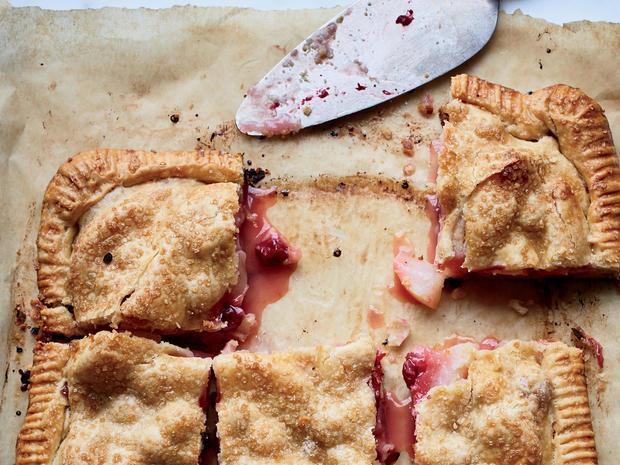 食品和葡萄酒梨和蔓越莓板坯饼promo.jpg