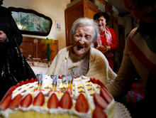 2016-11-29t143454z-2009182877-rc129226e730-rtrmadp-3-italy-oldest-woman.jpg