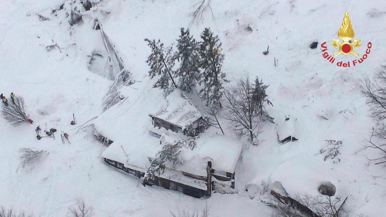italy-avalanche-hotel.jpg