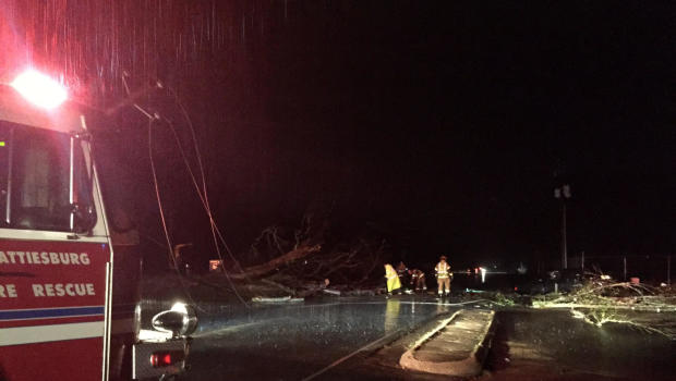 Tornado rips through southern Mississippi