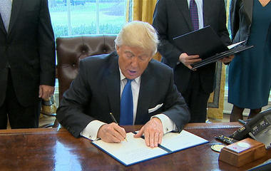 Trump vows to move forward with building border wall