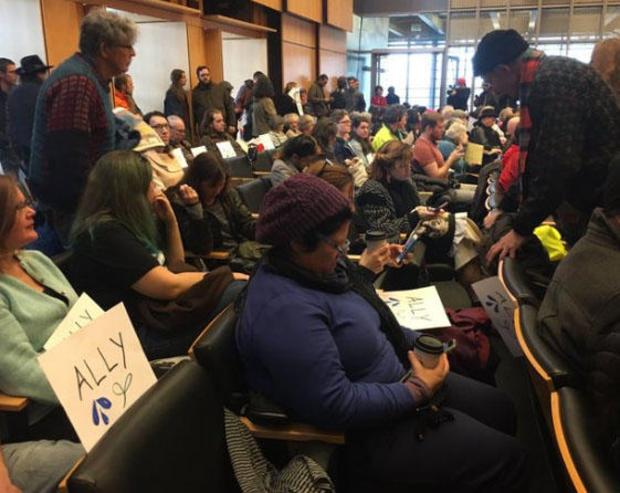 西雅图城市议会的会议回合井 - 法戈和达科他州的存取管道,020717.jpg