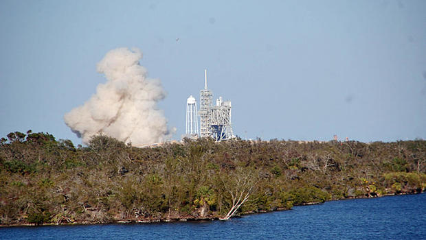 SpaceX completes static fire test, historic launch could come Saturday ars_ab.settitle(1041031)