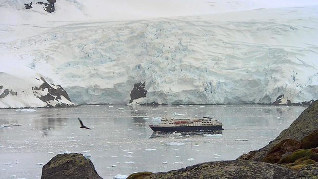 phillips-antarctica-ice-melt-0213en-810581.jpg