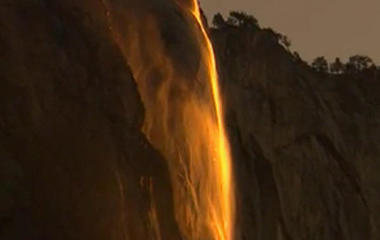 "Rare ""firefall"" phenomenon at Yosemite National Park"