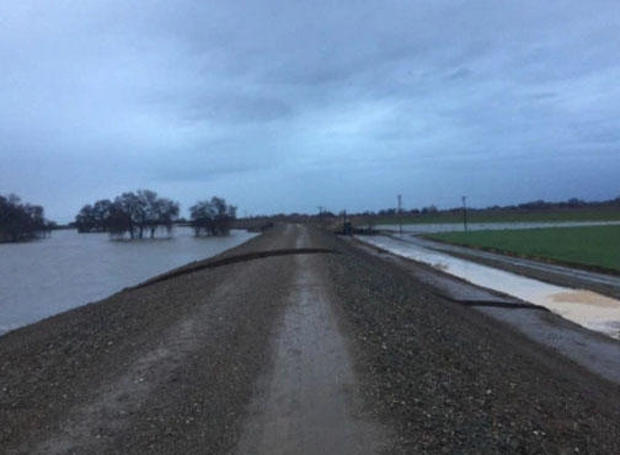 Evacuation order remains after levee breach