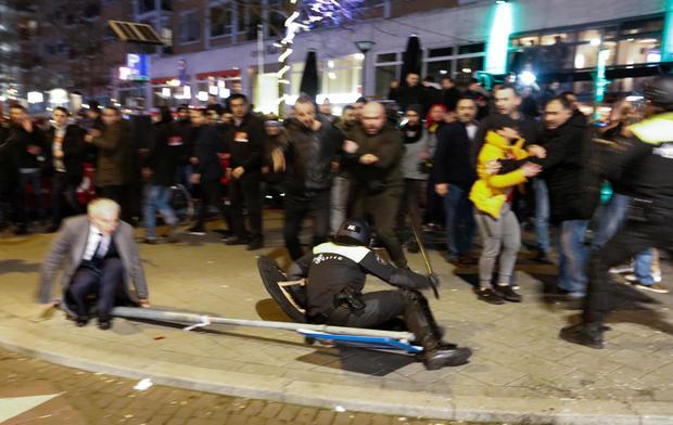 rotterdam-demonstrations-2017-3-11.jpg