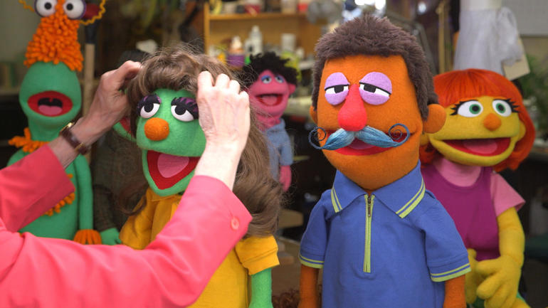 Muppets welcome Julia, a friend with autism, to Sesame Street
