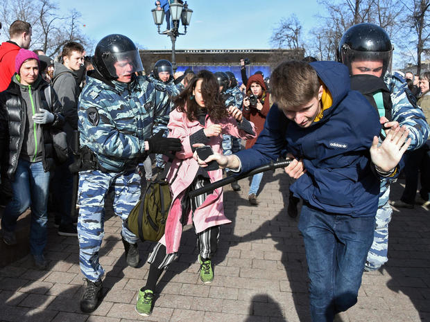 Hundreds arrested in Russia protests