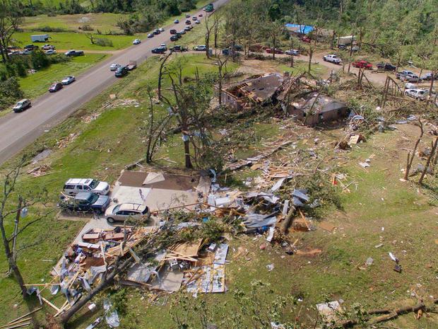 Tornadoes, severe storms strike Texas, Central U.S.