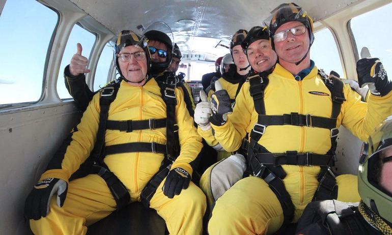 verdun-hayes-2017-oldest-skydiver.jpg