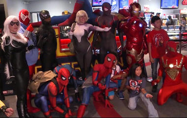 """Spider-Man brings hospital patient as guest to screening of """"Homecoming"""""""