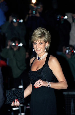 """Remembering Diana: A Life in Photographs"""