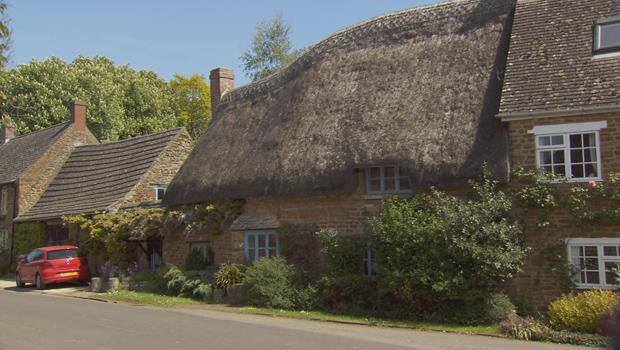 thatched-roof-roadside-620.jpg
