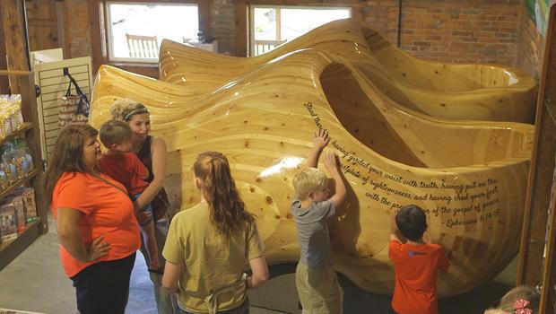 凯西 - 伊利诺斯州巨型木底鞋-620.jpg