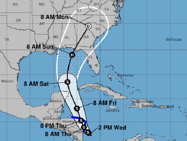 来自国家飓风中心的地图显示了可能成为下一个大西洋热带风暴的热带低气压的可能路径。 S代表热带风暴。 H代表飓风。蓝线显示热带风暴警告区域。