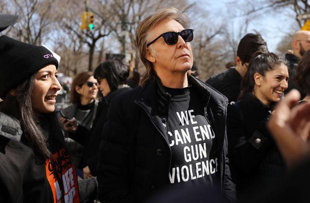 成千上万的人参加我们在美国的生活活动,从枪支中学校安全