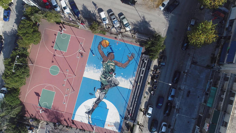 giannis-painting-on-court.jpg