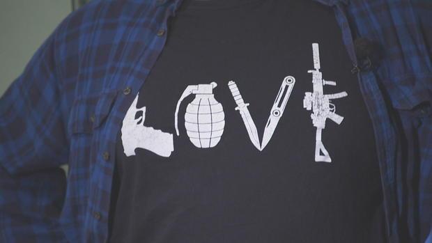 NFA-巴蒂斯塔枪-T恤隙-需要磁迹和 -  GFX-帧1699.jpg