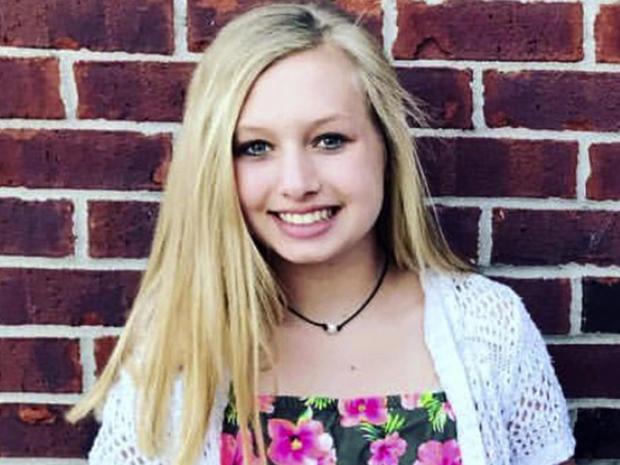 惠斯勒家族提供的这张未注明日期的照片显示,埃莉拉惠斯勒于2018年5月25日在印第安纳波利斯诺布尔斯维尔市诺布尔斯维尔中学的一间教室里被枪杀。