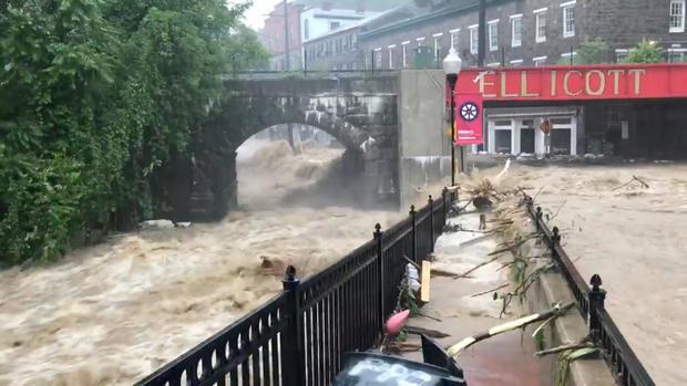 在美国马里兰州埃利科特市可以看到洪水