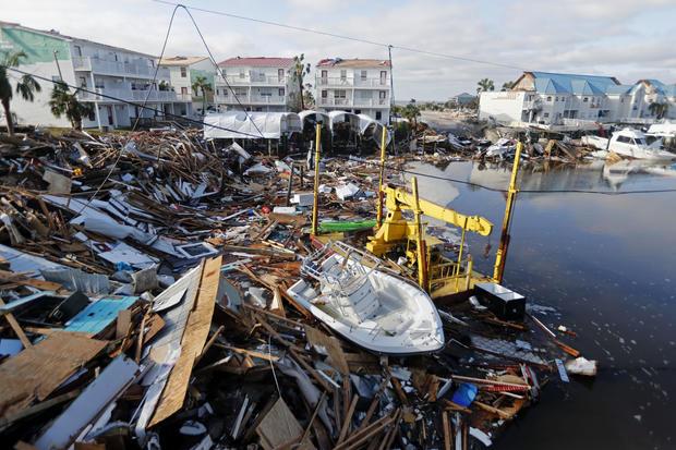 飓风迈克尔在墨西哥海滩,佛罗里达