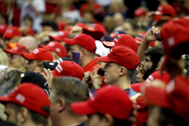 支持者参加休斯顿的美国参议员特德克鲁兹(R-TX)的竞选集会
