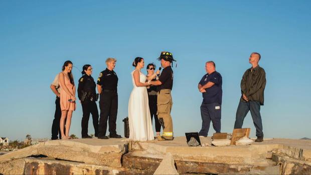 D2-哈特曼-OTR-飓风的婚礼110218帧,3103.jpg