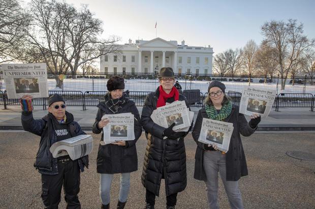 """活动家分发""""Bye-Bye 45""""华盛顿邮报的讽刺版"""