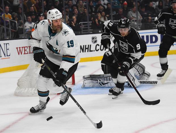 NHL:洛杉矶国王队的圣何塞鲨鱼队