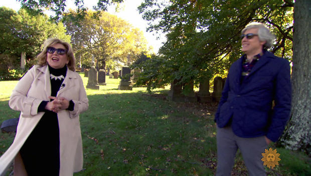 brenda-vaccaro-at-green-wood-cemetery-with-mo-rocca-620.jpg