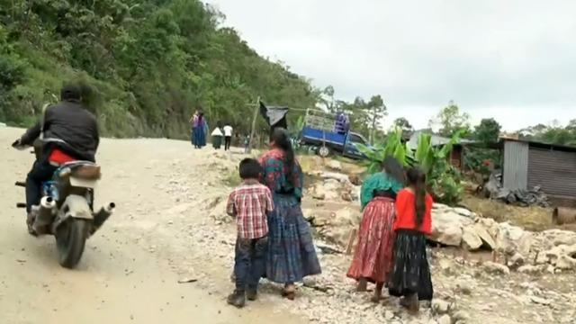 cbsn-fusion-smugglers-seemingly-advertising-trip-to-us-for-a-price-to-migrants-in-guatemala-thumbnail-686956-640x360.jpg