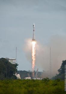 ariane-5-rocket-launches-galileo-satellites.jpg