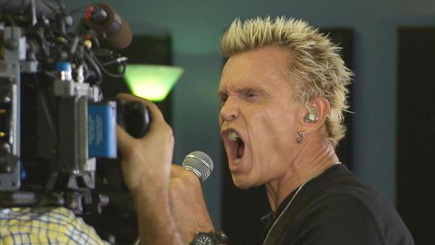 billy-idol-with-camera-rehearsals-620.jpg